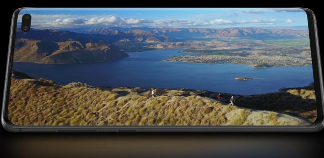 Fotos de Sácale el Jugo a las Redes Sociales, con las Características de la línea Galaxy S10 de Samsung