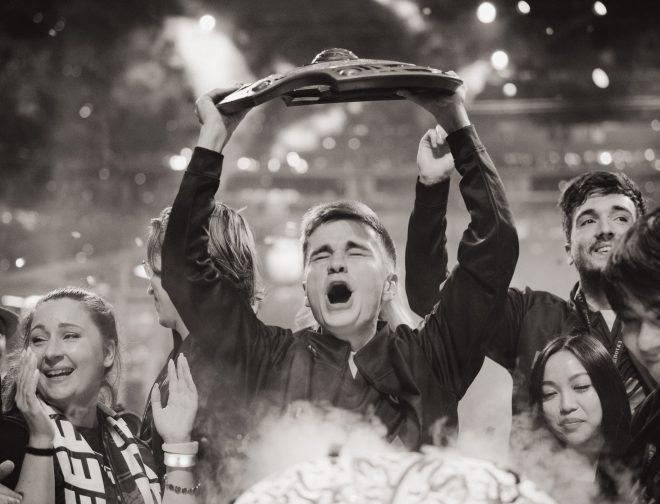 Fotos de El Equipo de Dota 2 OG, se Proclama el Primer Bicampeón de The International