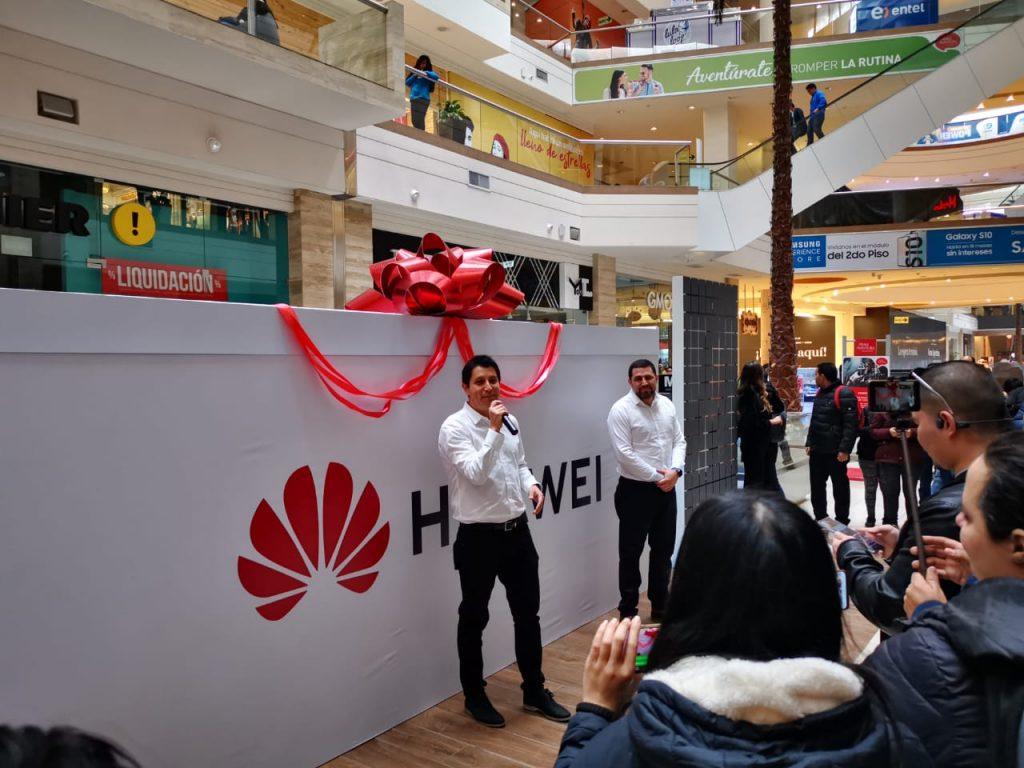 Foto de Huawei inaugura nuevo punto de servicio y venta en Santa Anita