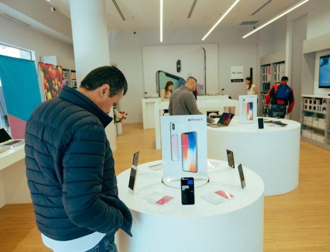 Fotos de Aprovecha en financiar tu iPhone 11 sin tanto papeleo en un Mac Center