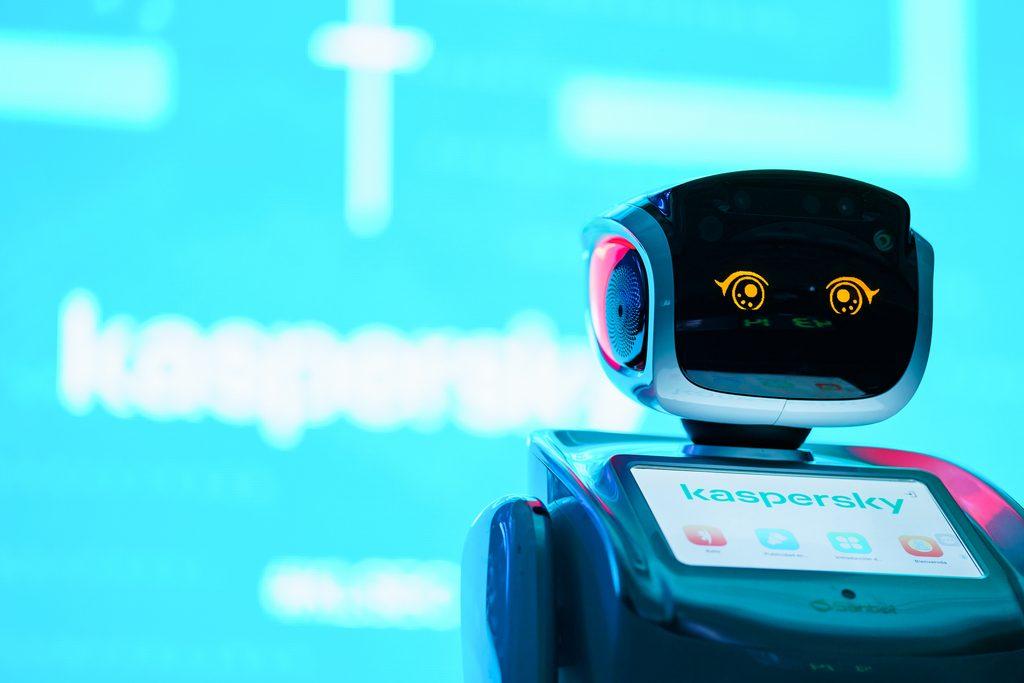 Foto de Las Empresas Robotics Lab y Kaspersky anuncian alianza para nuevas tecnologías