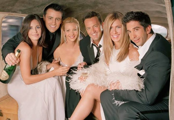 Fotos de Google celebra los 25 años de Friends con divertidos guiños a la serie