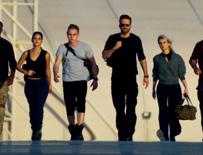 Fotos de Explosivo y Divertido Tráiler de Escuadrón 6, lo nuevo de Michael Bay con Ryan Reynolds