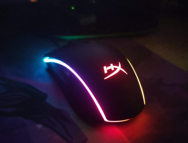 Fotos de Review: Mouse Pulsefire Surge RGB de Hyper X