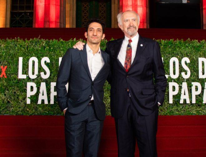 """Fotos de Jonathan Pryce y Juan Minujín Estuvieron en Argentina para la Premiere Latina de """"Los Dos Papas"""""""