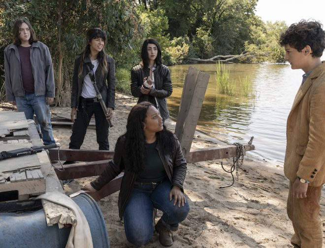 "Fotos de The Walking Dead: World Beyond"" confirma fecha de estreno por AMC"