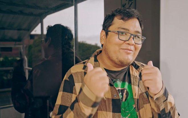 Fotos de Freddy 'Smash' Sina, Jugador Profesional Peruano de Dota, Prepara Nuevo Proyecto