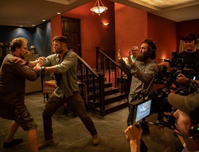 Fotos de Full Acción en el Tráiler de Misión de Rescate Película de Netflix con Chris Hemsworth