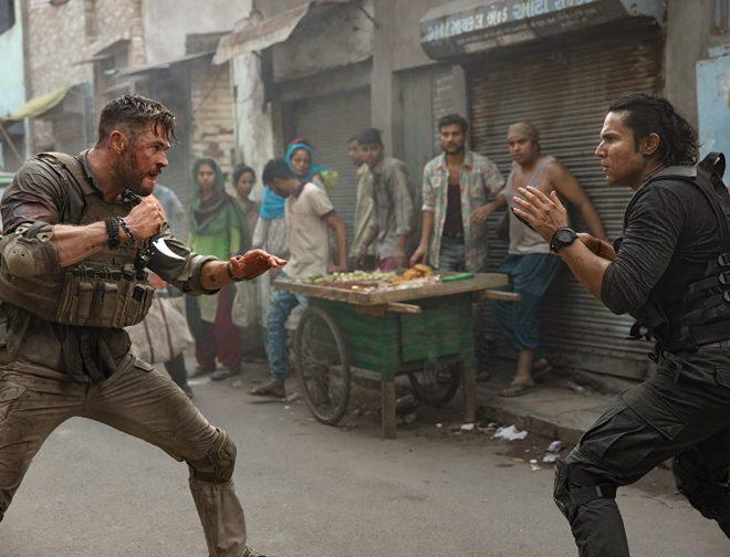 Fotos de Review: Misión de Rescate, Convierte a Chris Hemsworth en el Próximo Héroe de Acción