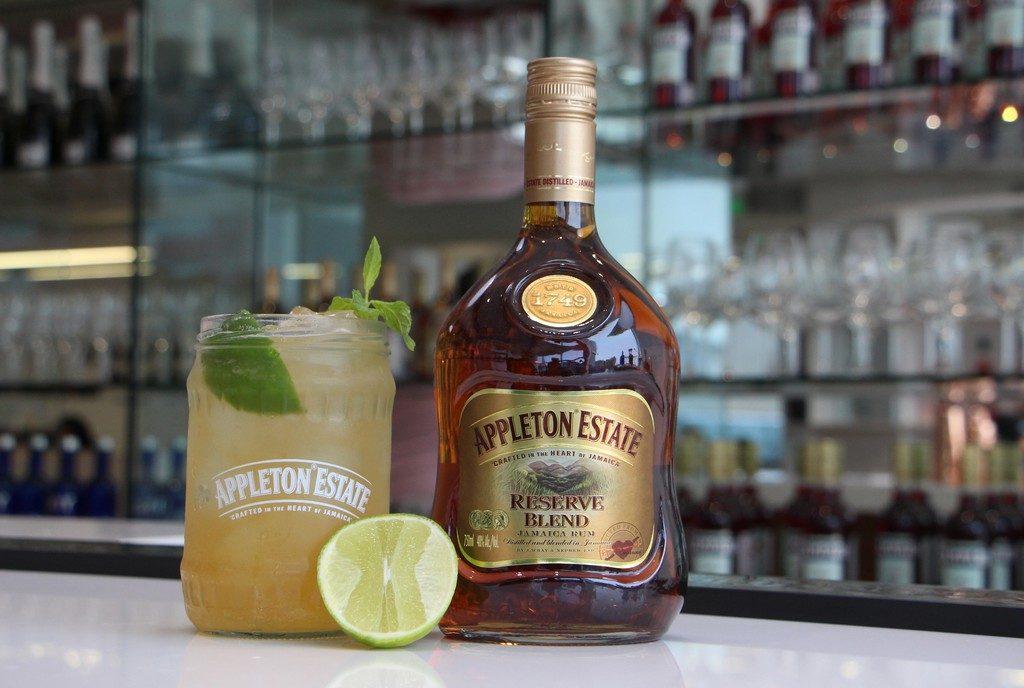 Foto de Cócteles con Ron: Aprende a Combinar esta Bebida con lo que Tengas en Casa