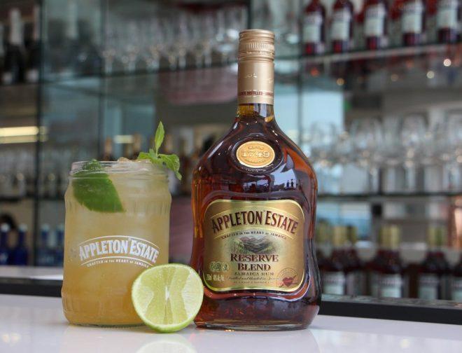Fotos de Cócteles con Ron: Aprende a Combinar esta Bebida con lo que Tengas en Casa