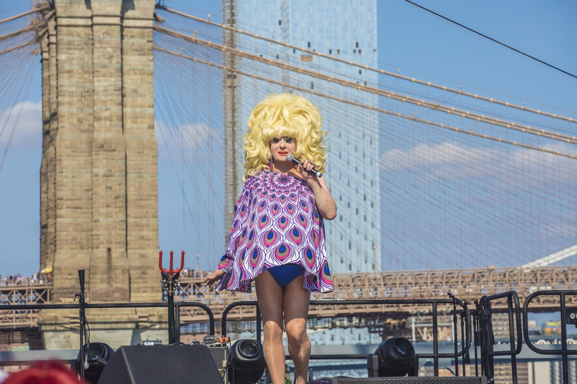 Fotos de Mes del Orgullo LGBTQIA+: HBO Propone Películas y Series sobre Inclusión y Diversidad