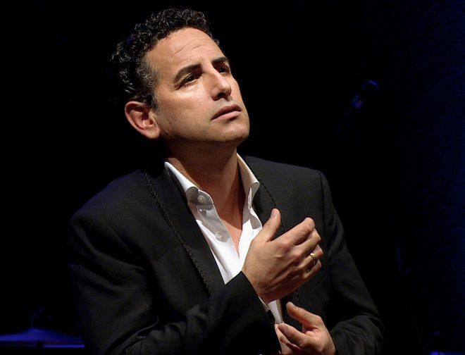 """Fotos de Film&Arts transmitirá el concierto """"Bésame Mucho"""" de Juan Diego Flóres"""