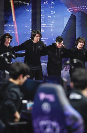 Foto de ¡Día 2! Equipo Latinoamericano se mantiene en carrera en el Campeonato Mundial de League of Legends