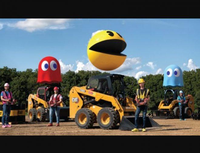 Foto de PAC-MAN y Caterpillar recrean el clásico juego arcade con equipamiento de construcción