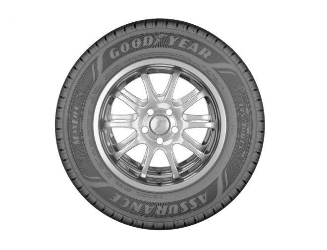 Fotos de El nuevo neumático Goodyear Assurance Maxlife rueda hasta 5.000 kilómetros más