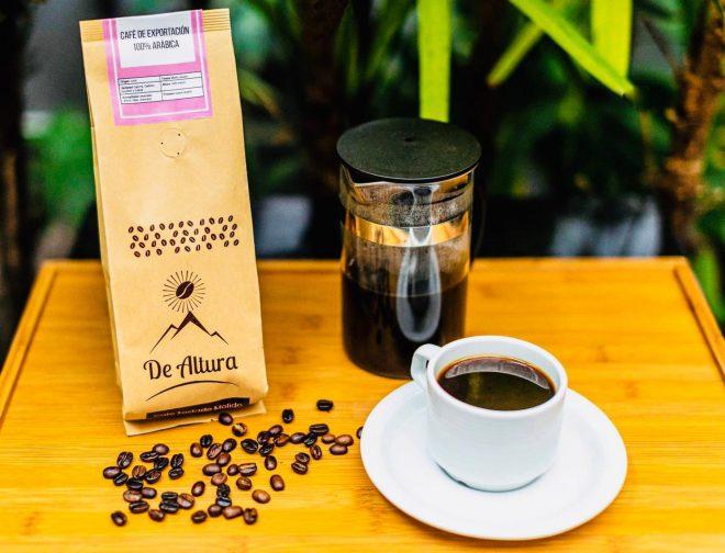 Fotos de Arequipeña busca fomentar el consumo del café peruano a través de su emprendimiento