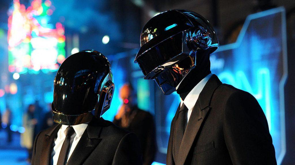 Foto de Daft Punk lanza de manera digital el complete edition del soundtrack de Tron Legacy