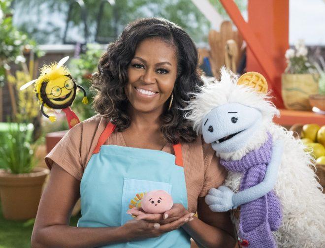Fotos de Netflix: Póster de WAFFLES Y MOCHI, serie culinaria para la familia con Michelle Obama