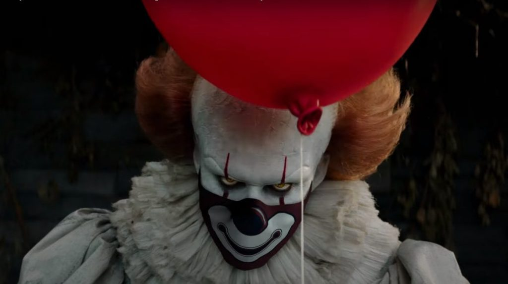 Foto de Pennywise y otros personajes de las películas de Warner Pictures te dicen que uses mascarilla