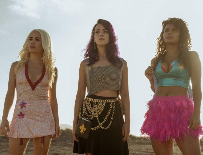 Fotos de Netflix: Pura adrenalina en el prime tráiler de Sky Rojo