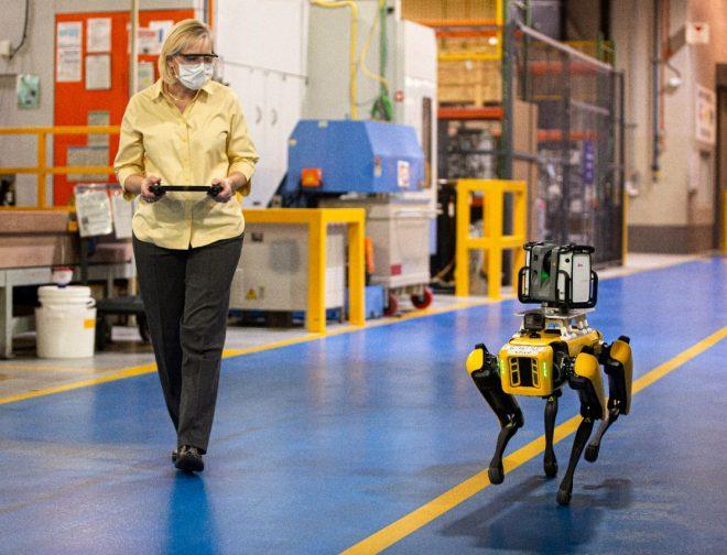 Fotos de 5 tecnologías que han cambiado la manera de producir vehículos en Ford