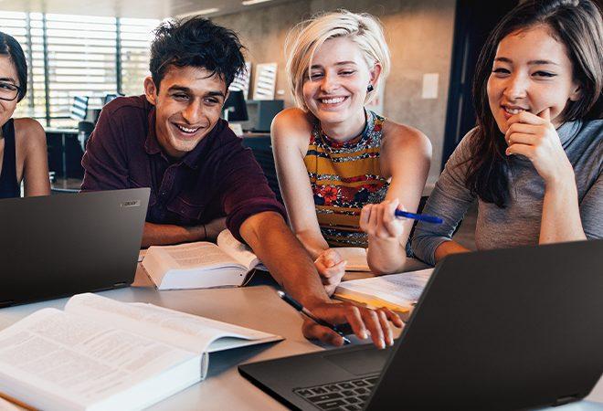 Fotos de Acer: 10 temas que hoy son tendencia en la educación superior