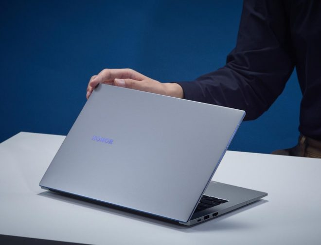 Fotos de Honor presenta su nueva y liviana ultrabook, la MagicBook 14 que llega con Windows 10