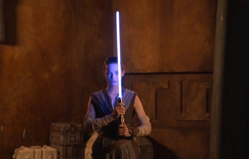 Foto de Star Wars: Disney revela que ya esta trabajando en un  lightsaber retráctil