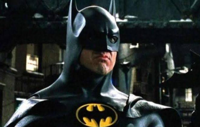 Fotos de Andy Muschietti revela el traje de Batman en la Película The Flash
