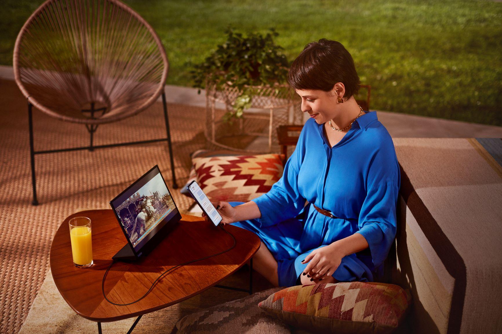 Foto de Motorola: ¿Cómo convertir cualquier pantalla en una Smart TV?