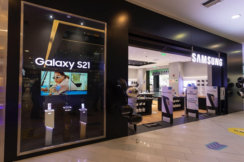 Foto de Samsung inaugura 2 nuevas tiendas de experiencia en Lima y anuncia próximas aperturas en el interior del país