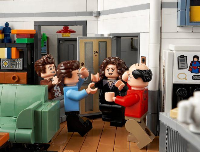 Fotos de LEGO presenta el set de Seinfeld, con hartos detalles de la serie