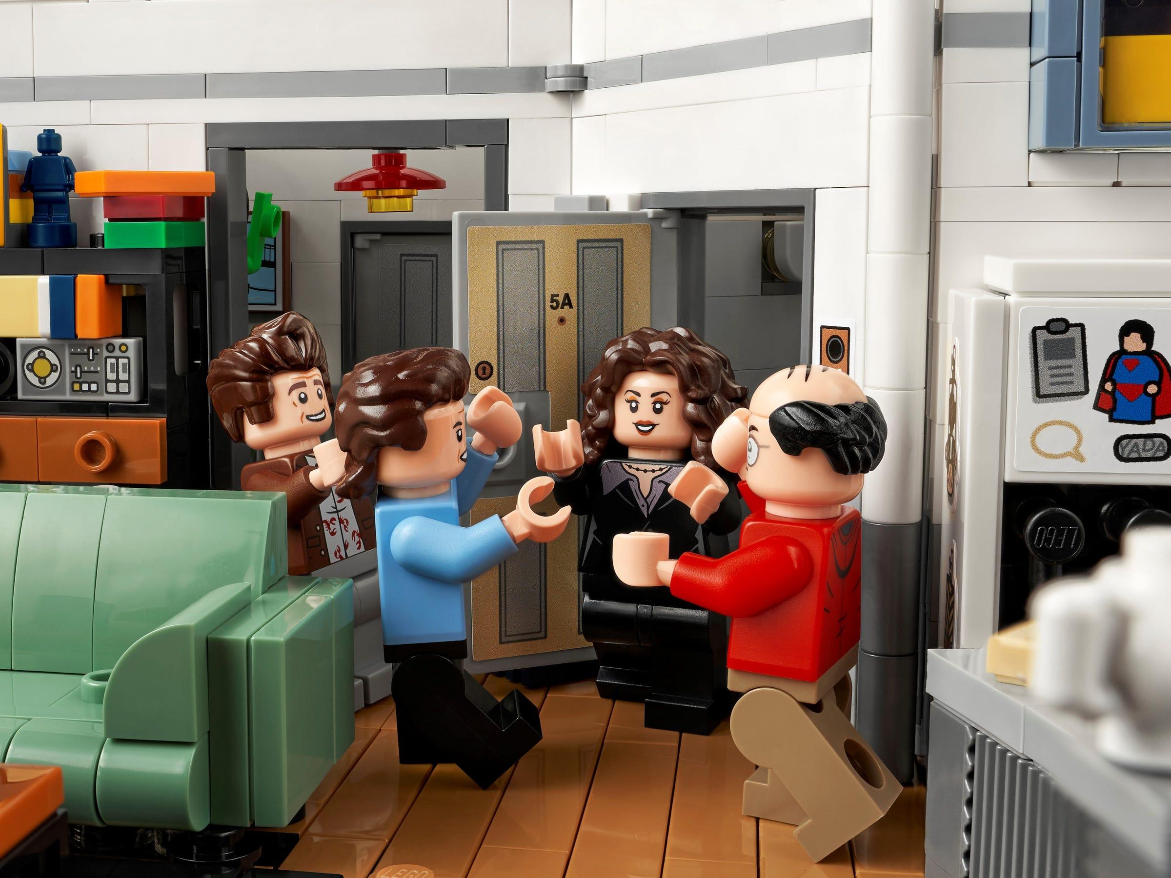 Foto de LEGO presenta el set de Seinfeld, con hartos detalles de la serie