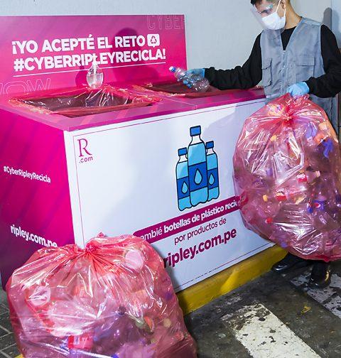 Foto de Se recolectaron más de 38,000 botellas de plástico en el Cyber Wow de Ripley