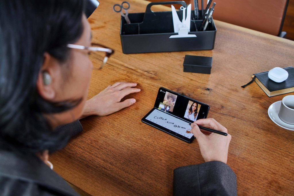 Foto de Despliega experiencias de entretenimiento y productividad de nivel superior con el nuevos Galaxy Z Fold3 5G