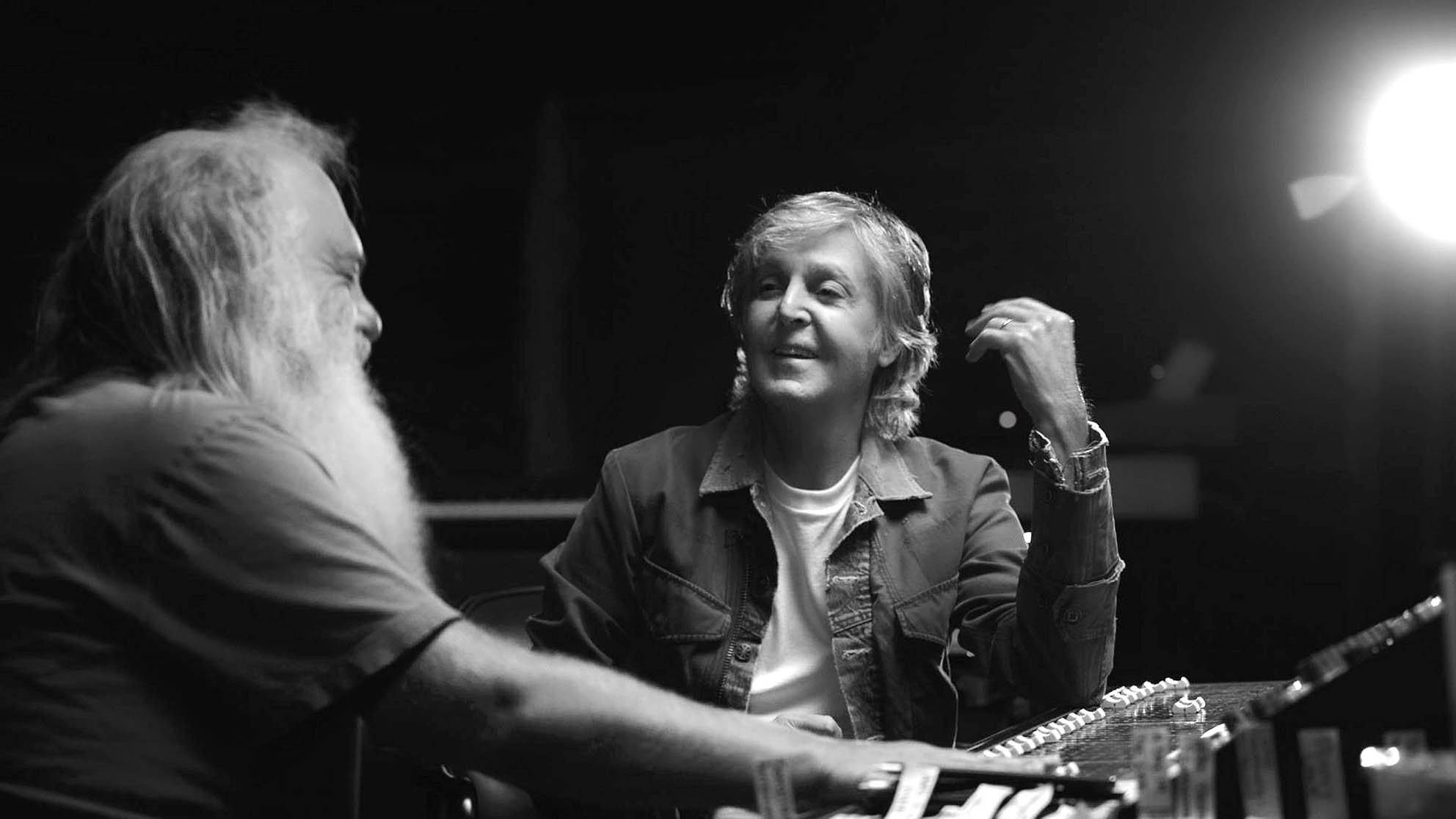 "Foto de ""McCartney 3, 2, 1"" reveladora serie musical de Paul McCartney y el legendario productor Rick Rubin"