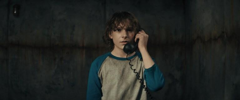 """Foto de Tráiler: Ethan Hawke se convierte en el sádico """"Grabber"""" en El Teléfono Negro"""
