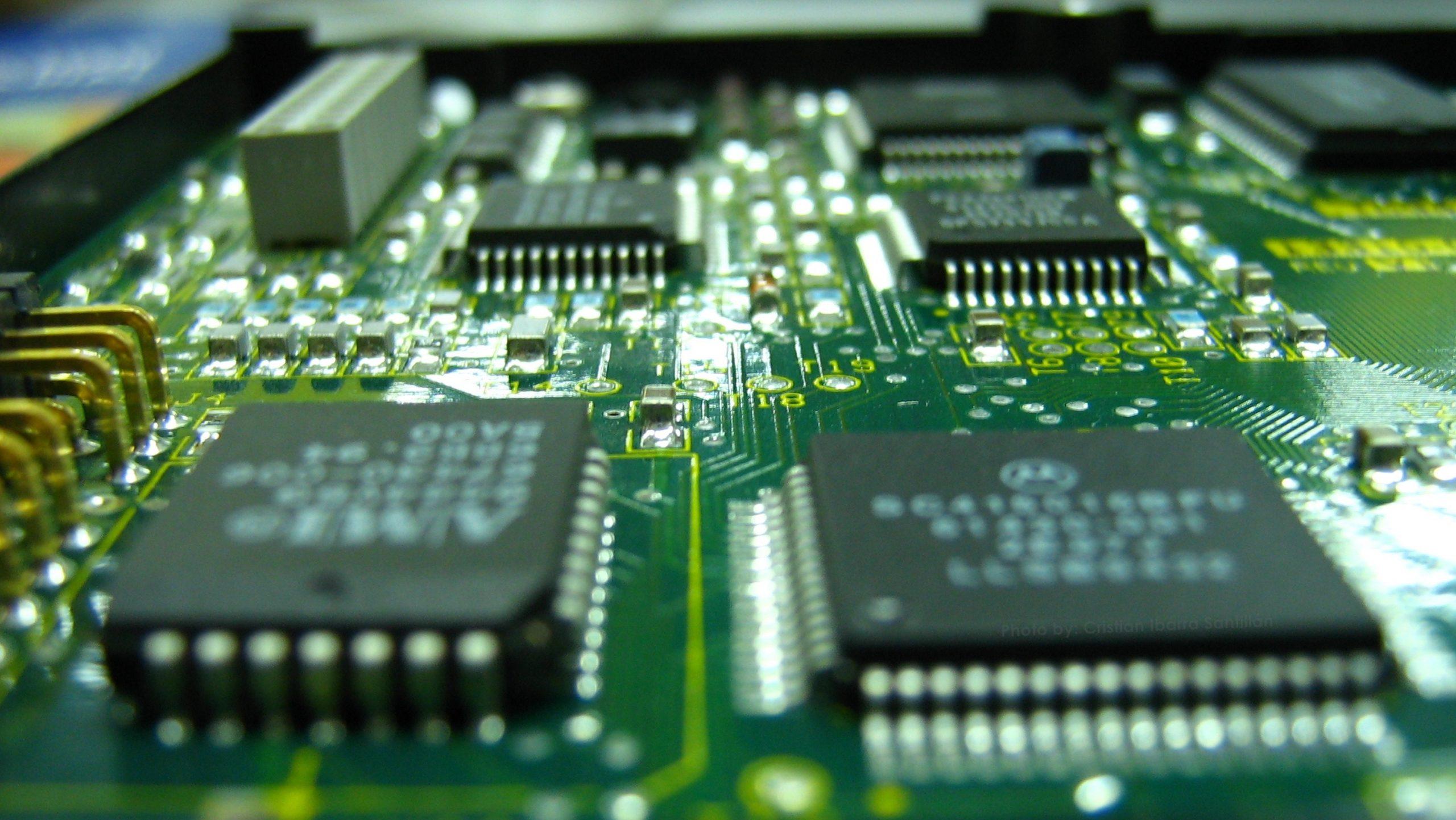 Foto de Sobredemanda y escasez de microchips: un problema que hace tambalear a la economía digital a nivel mundial