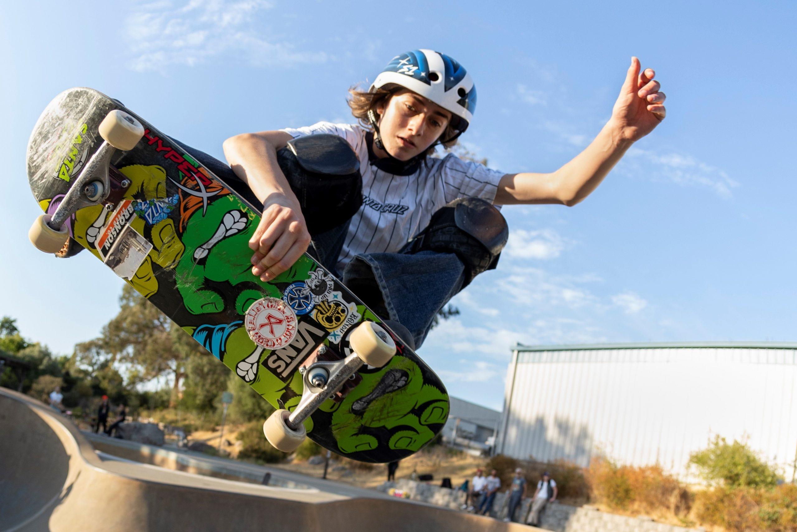 Foto de HyperX es nombrado socio oficial en videojuegos de la campeona norteamericana de skate, Minna Stess