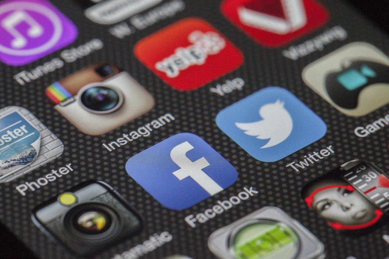 Foto de Venden datos de 1.500 millones de usuarios de Facebook recopilados mediante scraping